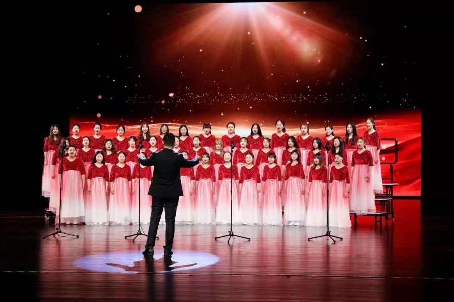 毕业了想留在城阳!青岛大学梦想合唱团颜值高、国际范儿,还个个是学霸!