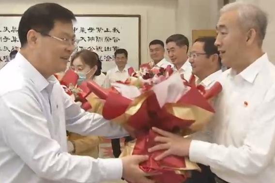 """赵豪志会见我市受表彰的全国""""两优一先""""代表和全国优秀县委书记"""