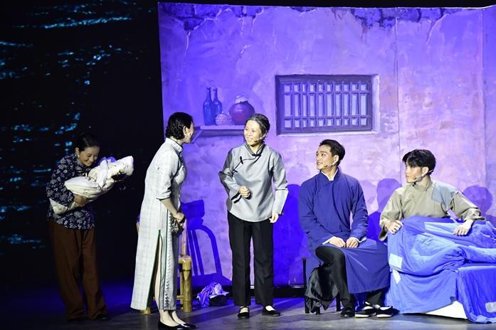 舞台上的党课《刘谦初》成功试演