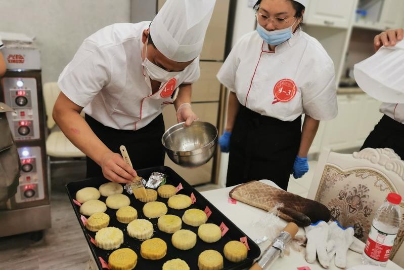 月是故乡明 劳动最光荣  市北区举办庆中秋传统食品制作技能竞赛